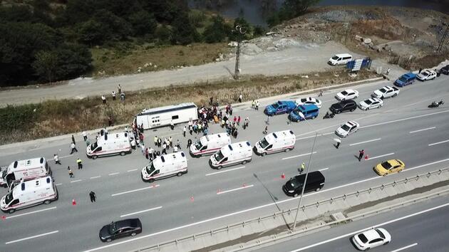 Kuzey Marmara Otoyolu'nda midibüs devrildi; çok sayıda kişi yaralandı