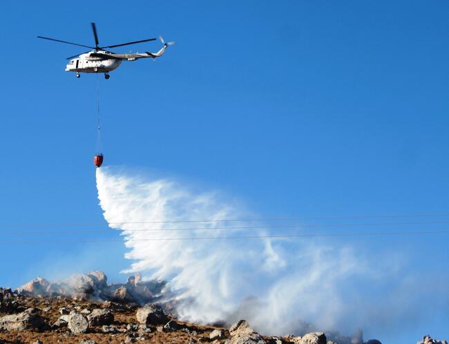Bodrum'daki yangın büyüyor! 20 metreye kadar yaklaştı