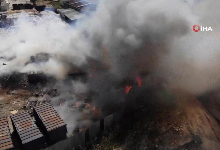 Başakşehir'de hurdalıkta yangın