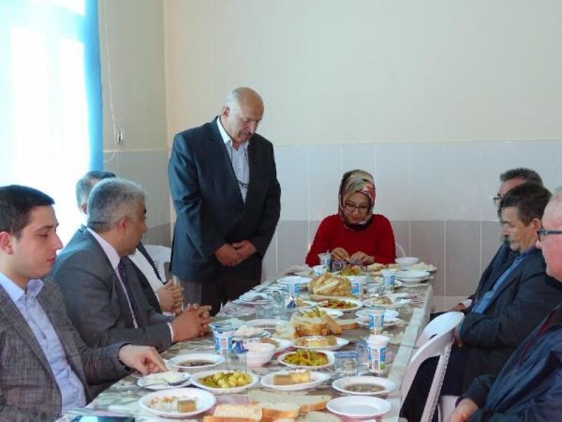 Öğretmenlerden geleneksel birlik beraberlik yemeği