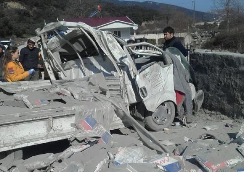 Freni patlayan kamyonet kaza yaptı: 1 yaralı