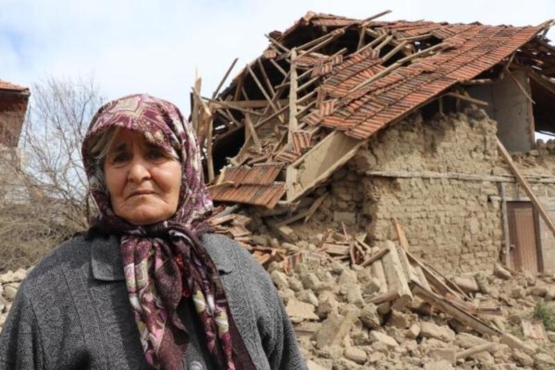 Deprem anında yaşadıklarını anlattılar