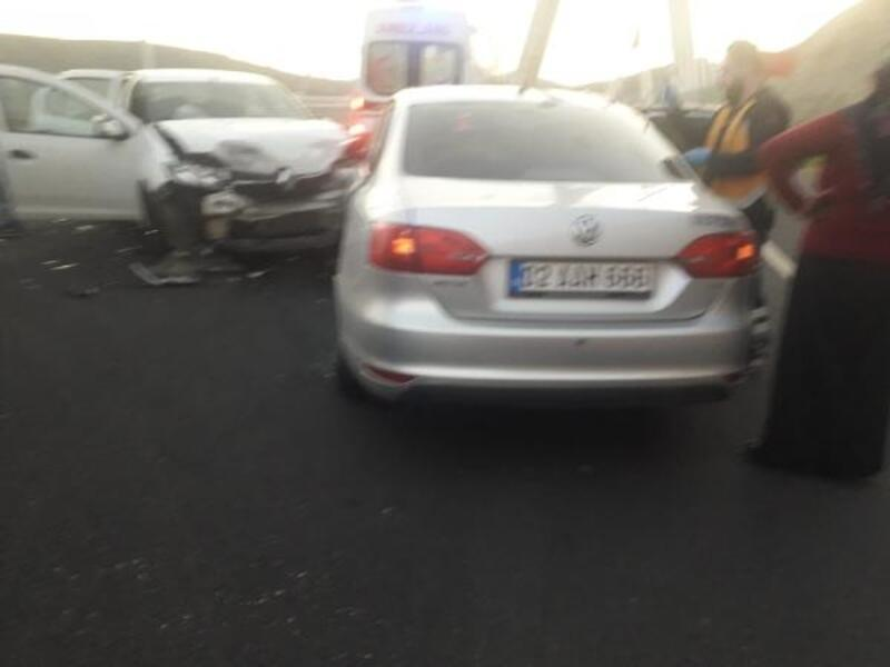 Siverek'te otomobiller çarpıştı: 5 yaralı