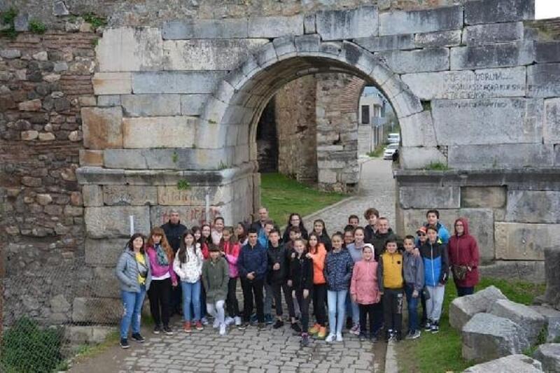 Bulgaristanlı halkoyunları ekibi, Orhangazi ve İznik'i gezdi