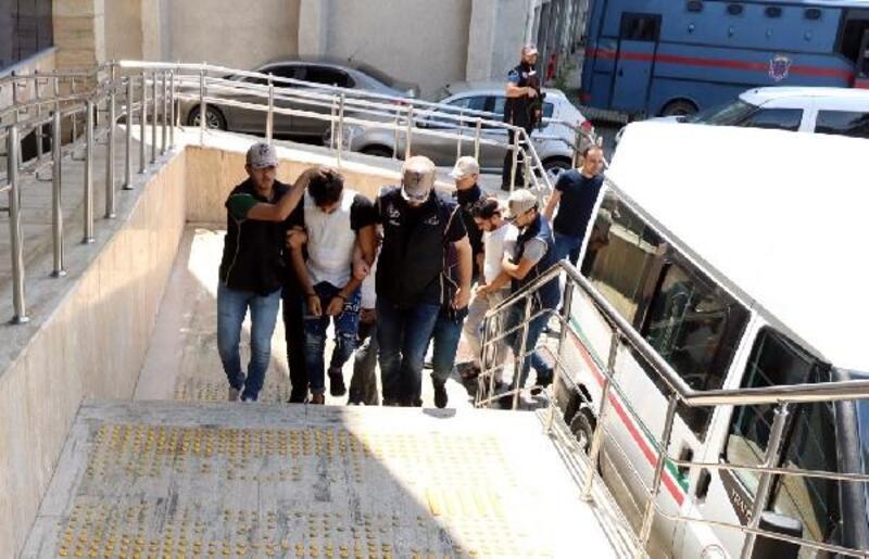 Tutuklanan DEAŞ üyesi, bombalı araçla eyleme ikna edilmeye çalışılmış