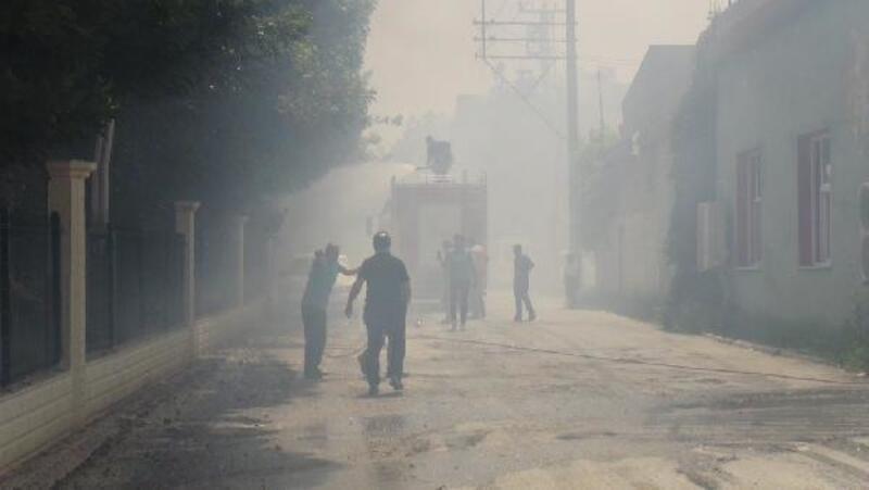 Suriye sınırındaki ot yangını 3 saatte söndürüldü
