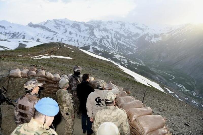 Vali Akbıyık'tan Şehit Bedirhan Mustafa Karakaya üs bölgesine ziyaret