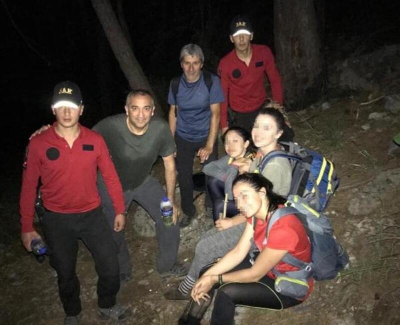 Doğa yürüyüşünde kaybolan kadınları jandarma kurtardı