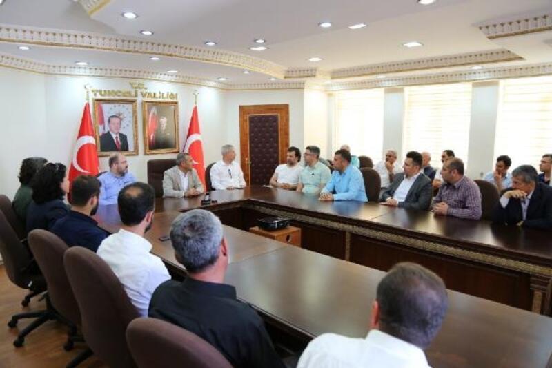 Tunceli'deki STK'lardan Vali Sonel'e destek ziyareti