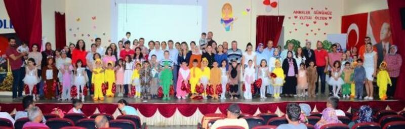 Anasınıfı öğrencilerinden tiyatro gösterisi