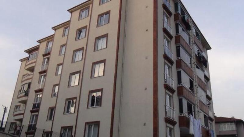 2 yaşındaki Ali balkondan düşerek öldü