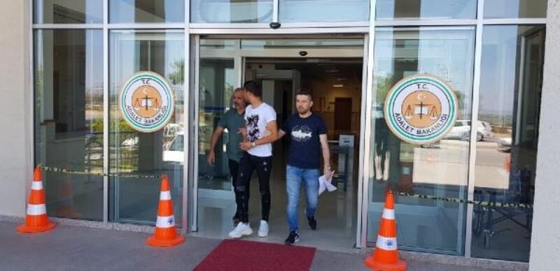 Biga'da iş yerlerinden hırsızlık şüphelisi tutuklandı