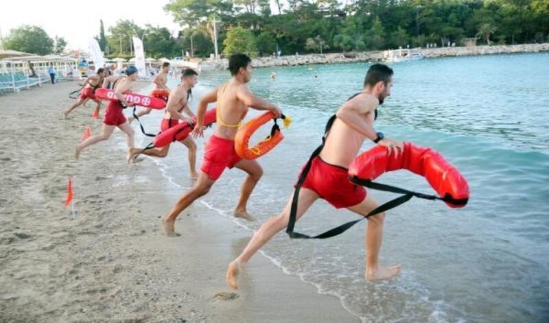 Antalya'da cankurtaranlar yarıştı