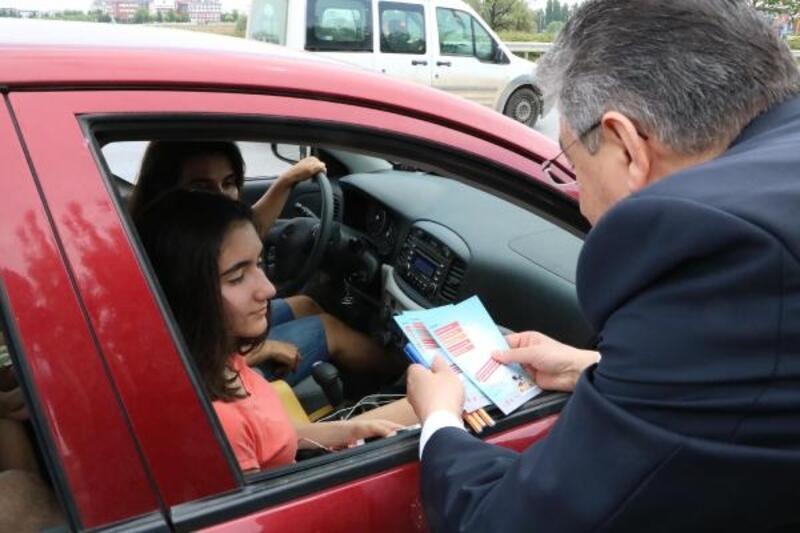 Sürücülere trafik notunu çocuklar verecek