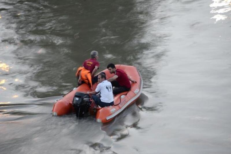 Arkadaşını kurtardığı nehirde boğuldu