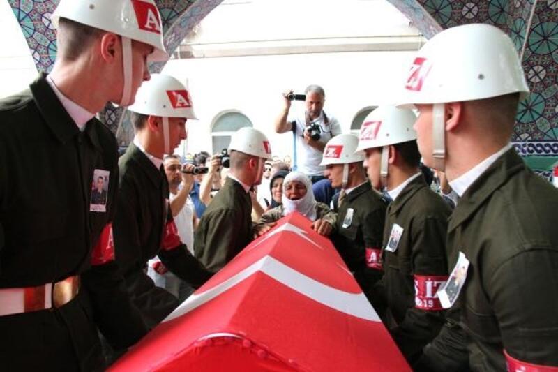 Erbaa'da Şehit Uzman Onbaşı Alıcı'yı 5 bin kişi uğurladı