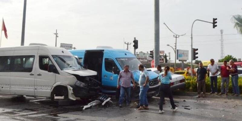 Antalya'da kaza: 3'ü turist, 4 yaralı
