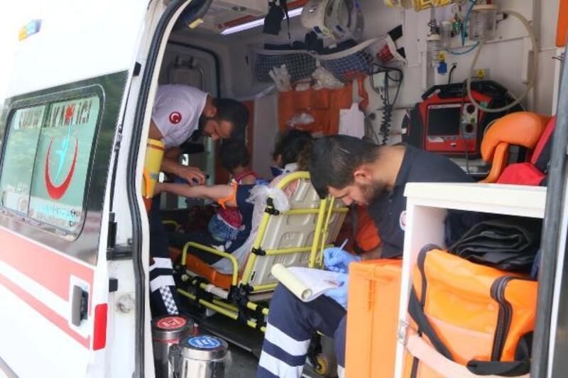 Bayram ziyareti yolunda kaza: 5 yaralı