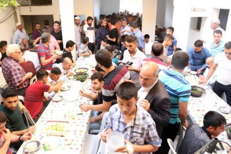 Şanlıurfa'da 5 bin kişiye tirit ikramı