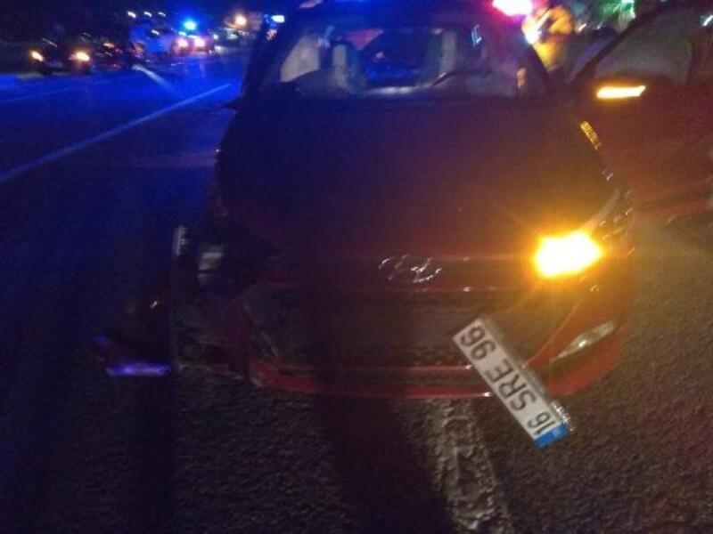 Bursa'da iki otomobil birbirine girdi: 6 yaralı