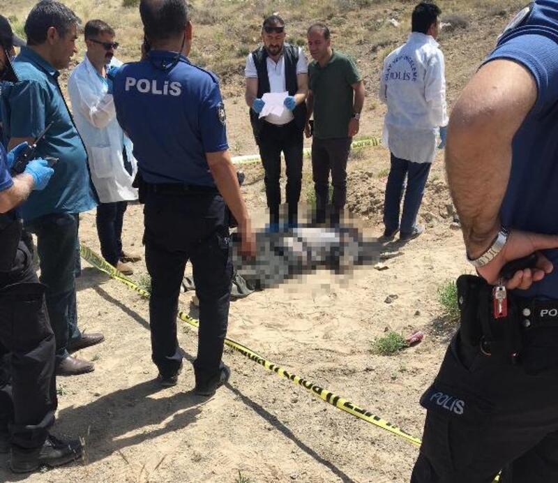 Niğde'de, boş arazide erkek cesedi bulundu