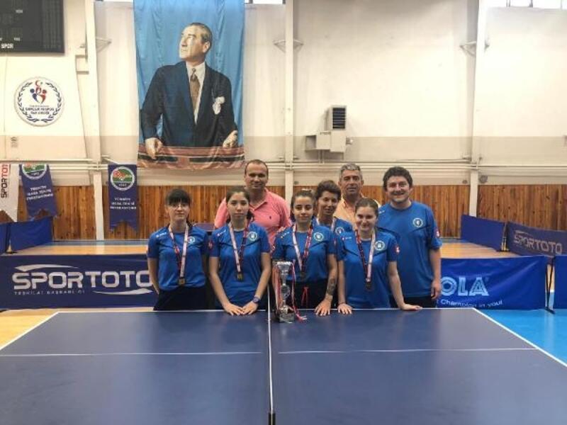 Bursa'ya masa tenisinde Türkiye üçüncülüğü geldi