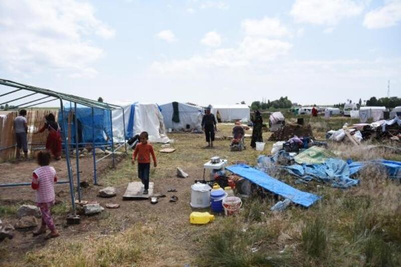 Eskişehir'de sağanak mevsimlik işçileri vurdu