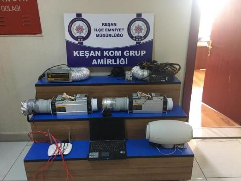 Kaçak elektrikle 'Bitcoin' üretilen eve polis baskını
