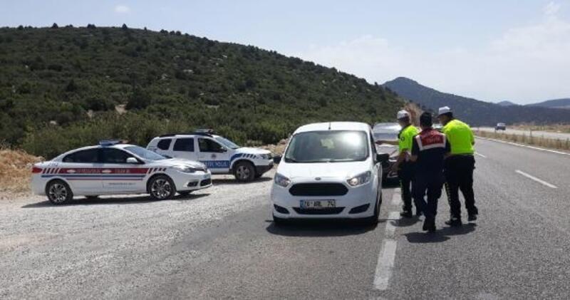 Jandarma ve polisten bayram mesaisi