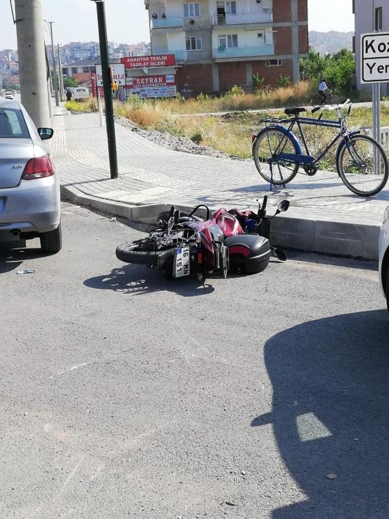Kamyonetin çarptığı motosikletin sürücüsü ağır yaralandı