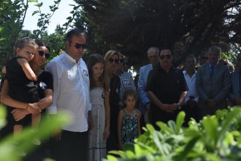 Ahmet Piriştina, ölümünün 15'inci yıl dönümünde mezarı başında anıldı