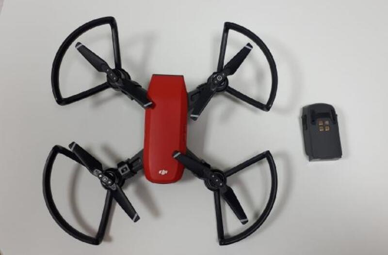 Polis okulunun bahçesine 'drone' düştü