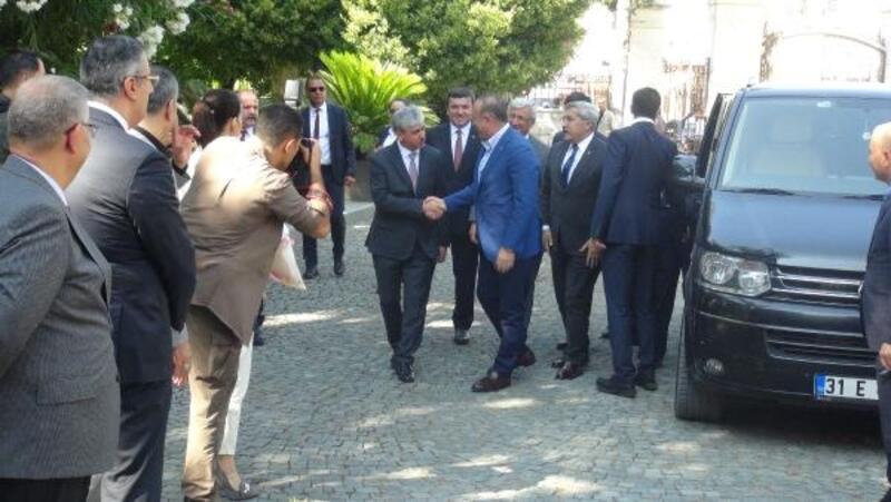 Bakan Çavuşoğlu: S-400 ile ilgili Amerika'nın dayatmalarını kabul etmemiz mümkün değil
