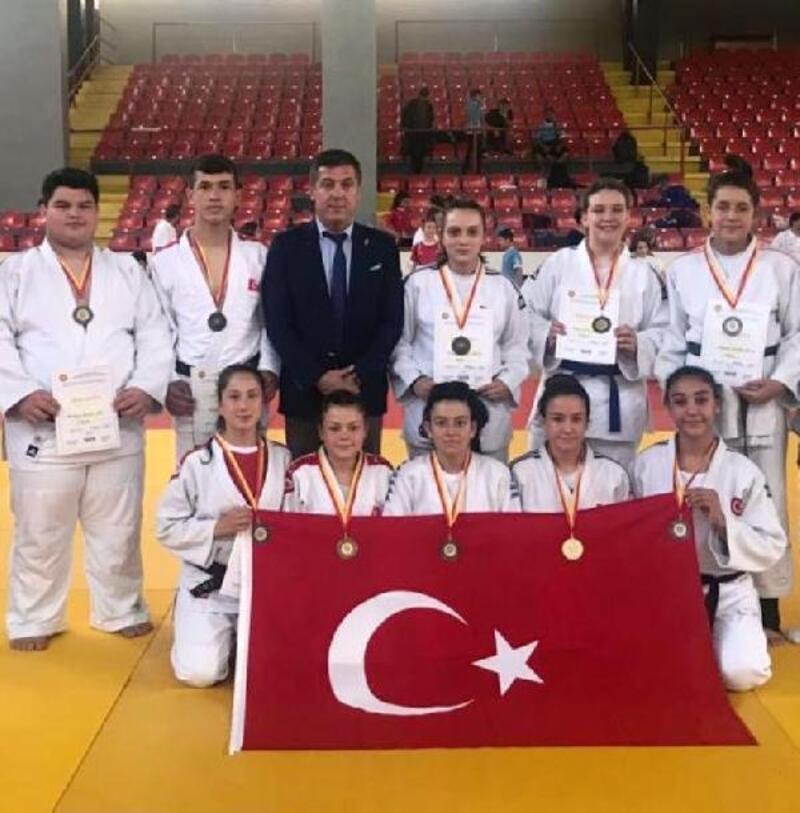 Judo Balkan Şampiyonası'nda yıldız milliler 23 madalya kazandı