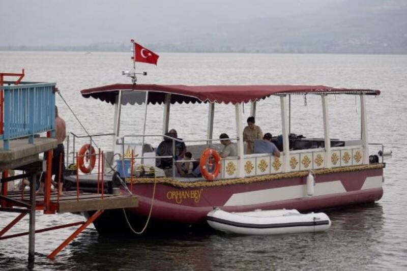 İznik Gölü'nde gezi teknesi hizmete başladı