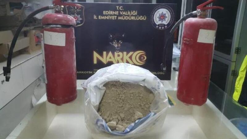TIR'daki yangın söndürücülerden 11 kilo eroin çıktı