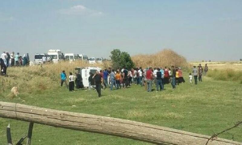 Nusaybin'de tarım işçilerini taşıyan minibüs devrildi: 16 yaralı