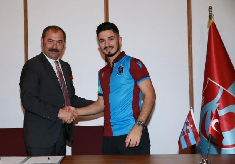 Trabzonspor, Fıratcan Üzüm için imza töreni düzenledi