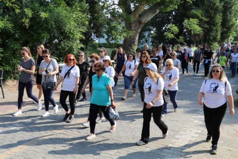 Yalova Belediyesi'nin sahil yürüyüşüne yoğun katılım