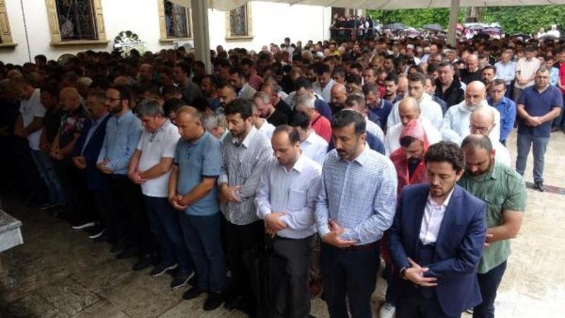 İzmit'te Mursi için gıyabi cenaze namazı kılındı