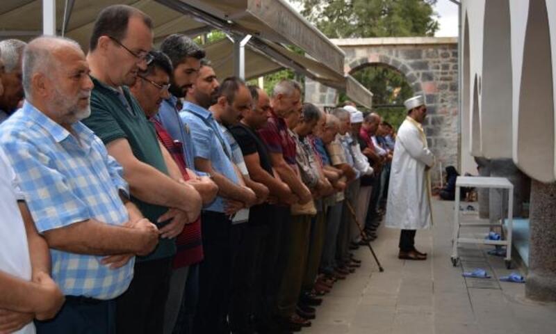 İslahiye'de, Mursi için gıyabı cenaze namazı
