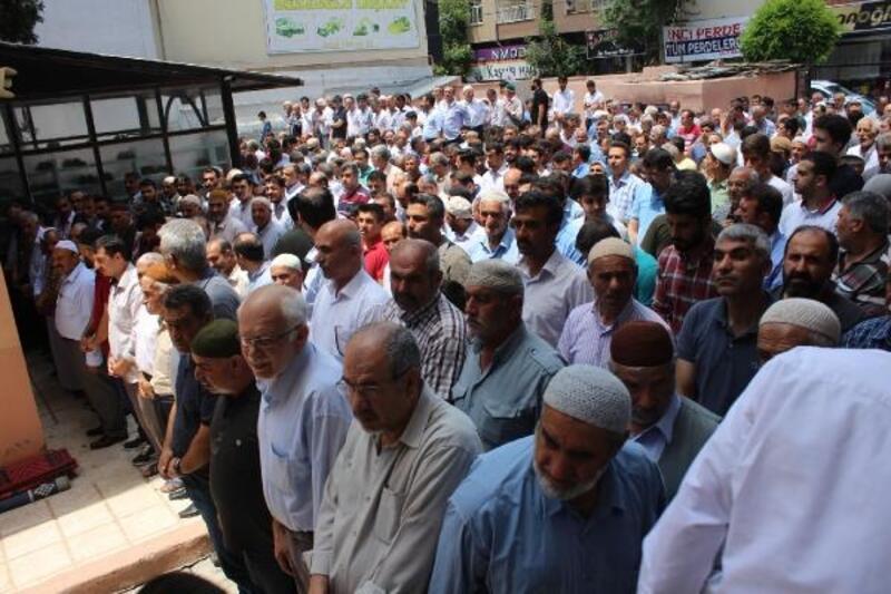 Mursi'nin Cenaze namazında gözyaşları aktı