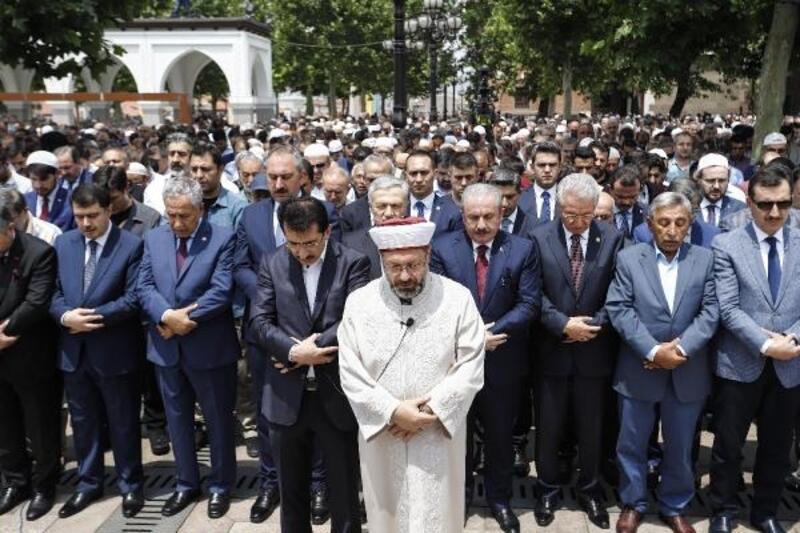 Ankara'da Mursi için gıyabi cenaze namazı