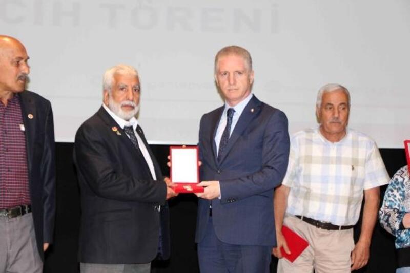Gaziantep'te Kıbrıs Gazileri'ne madalya ve beratları verildi