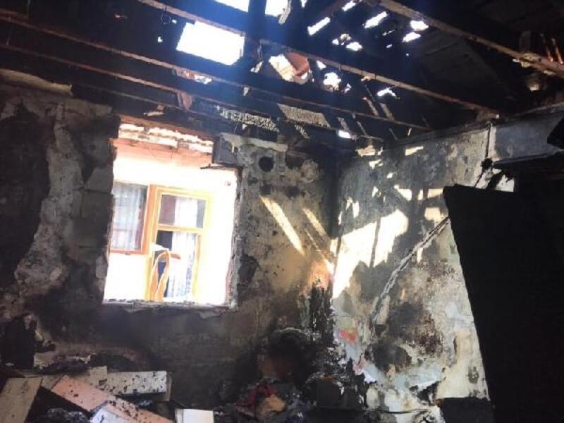 Lüleburgaz'da çıkan yangında 4 ev kullanılamaz hale geldi