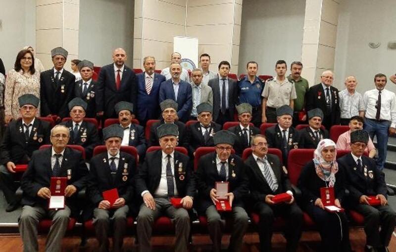 Bursalı 648 gaziye madalyaları verildi