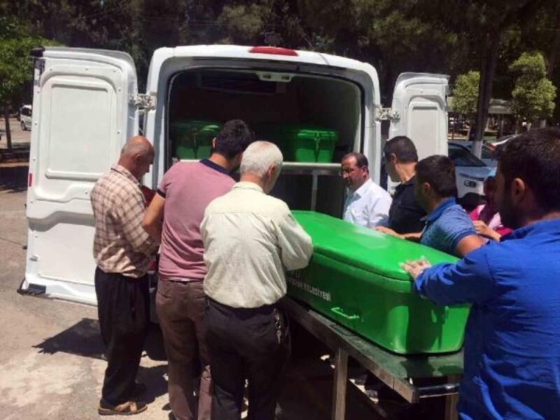 16 yaşındaki Mehmet'in minibüsle çarptığı motosikletli öldü