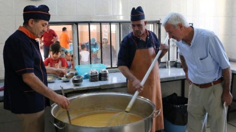 Şanlıurfa'da her sabah 25 bin kişiye çorba dağıtılıyor