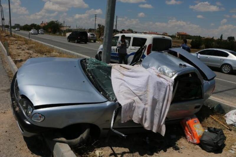 Aksaray'da otomobil takla attı: 3 ölü