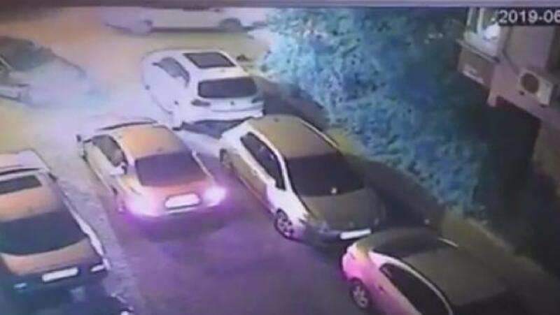 Bahçelievler'de tartışma sonrası sinirle gaza basan sürücü araçlara çarpıp takla attı